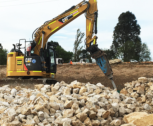 machine maintenance site excavator